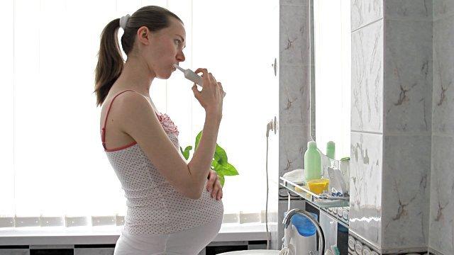 Bà bầu bị sâu răng ảnh hưởng như thế nào đến thai nhi?