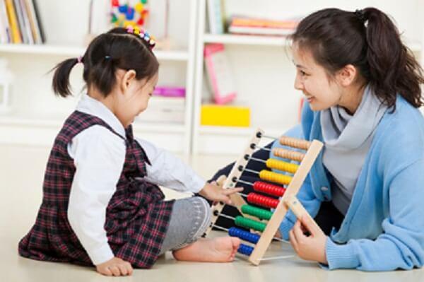 Giao tiếp với trẻ em tự kỷ