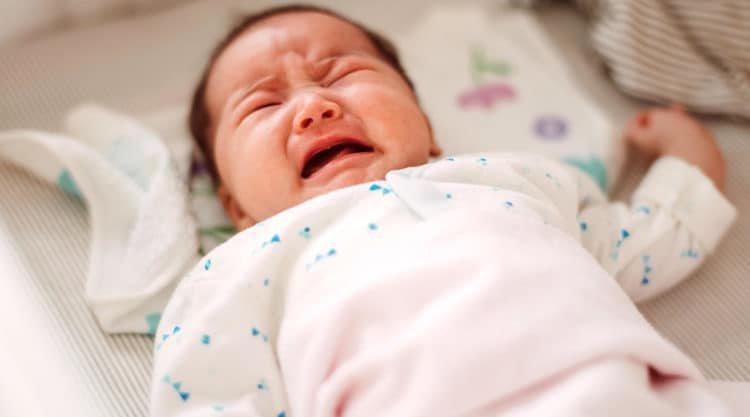 dấu hiệu bất thường ở trẻ sơ sinh