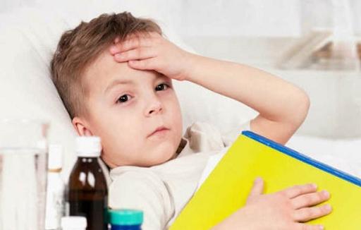 Dấu hiệu trẻ bị sốt siêu vi và biện pháp phòng ngừa