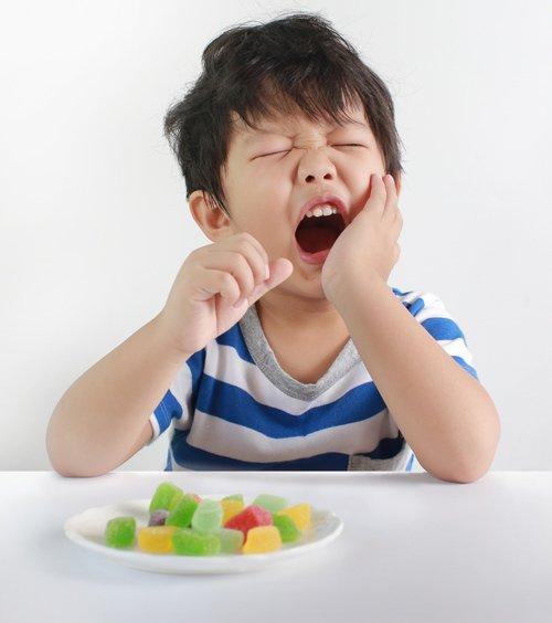 Hướng dẫn mẹ chăm sóc răng miệng cho trẻ theo từng độ tuổi