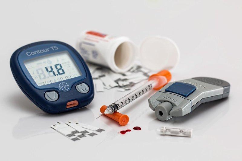 Xét nghiệm đường huyết cần lấy máu người bệnh lúc đói