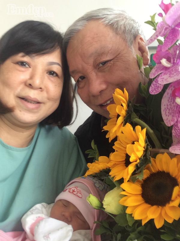 """Nhật ký làm bố tuổi 62: """"Bao nhiêu nước mắt, có lúc ngã khụy vì con mất lúc 8 tháng trong bụng mẹ"""""""