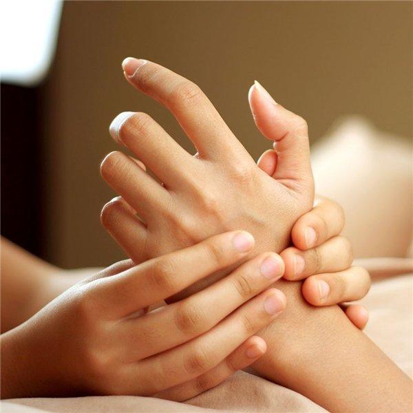 Massage bàn tay