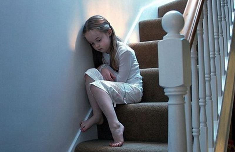 Làm gì khi trẻ tự kỷ hay la hét