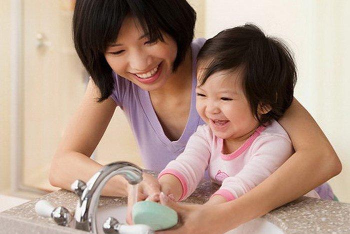 Phòng ngừa tay chân miệng cho trẻ