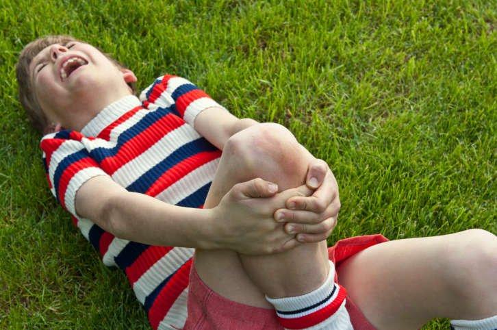 Đột nhiên trẻ đi tập tễnh – Những điều cần lưu ý