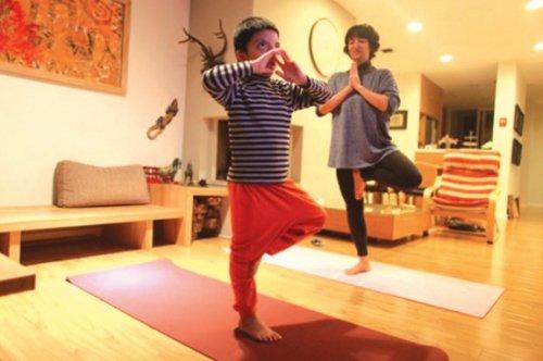 Yoga cho trẻ tự kỷ