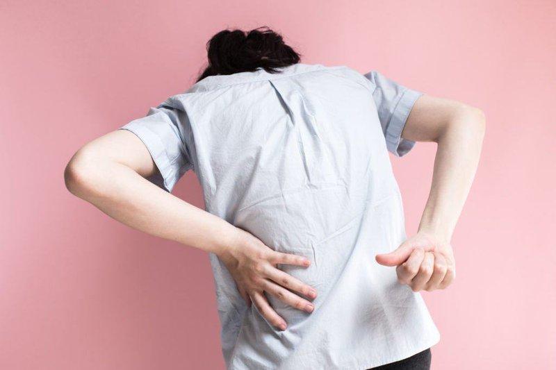 giải pháp giảm cơn đau lưng cho bà mẹ sau sinh