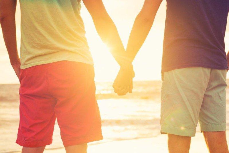 Vấn đề sức khỏe cho người đồng tính nam và nam có quan hệ tình dục đồng giới