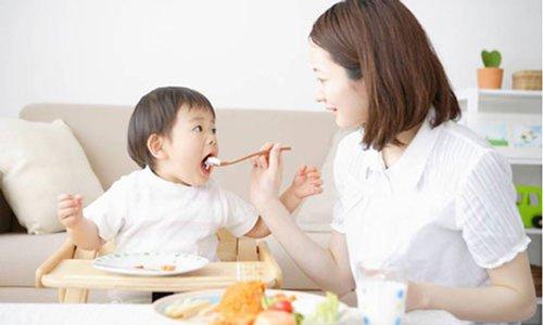 Trẻ tiêu chảy ăn gì