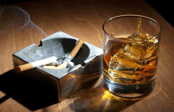 Chết mòn vì rượu và thuốc lá