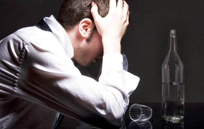 5 bệnh đáng sợ do rượu