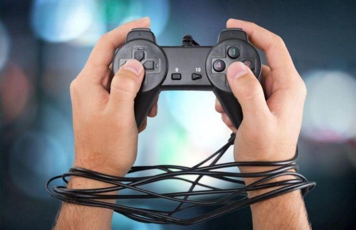 Tác hại của nghiện game tới não bộ và sức khỏe tâm thần | Vinmec