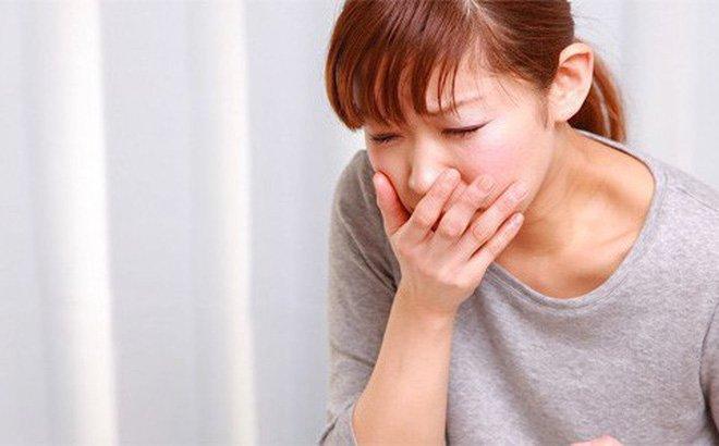 Buồn nôn là dấu hiệu của bệnh đau dạ dày.