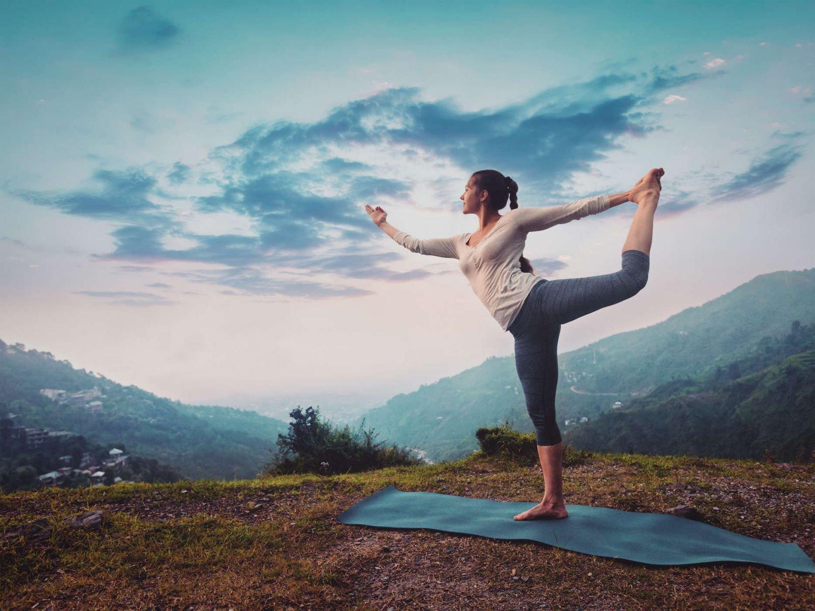 Chữa trầm cảm bằng yoga: Những điều cần biết
