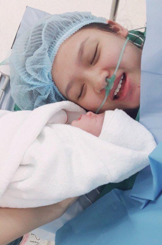 Hành trình sinh con của sản phụ bị bóc tách nhau thai