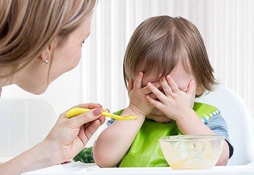 Nguyên nhân khiến trẻ biếng ăn | Vinmec