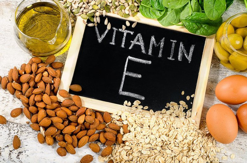 Tại sao cơ thể cần bổ sung Vitamin E?
