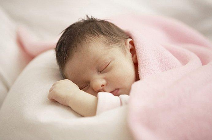 Làm thế nào khi trẻ sơ sinh bị nghẹt mũi?