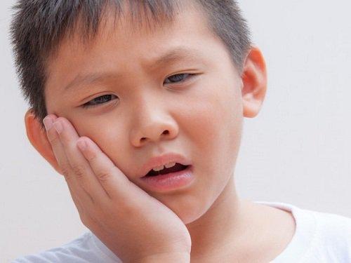 Trẻ đau răng