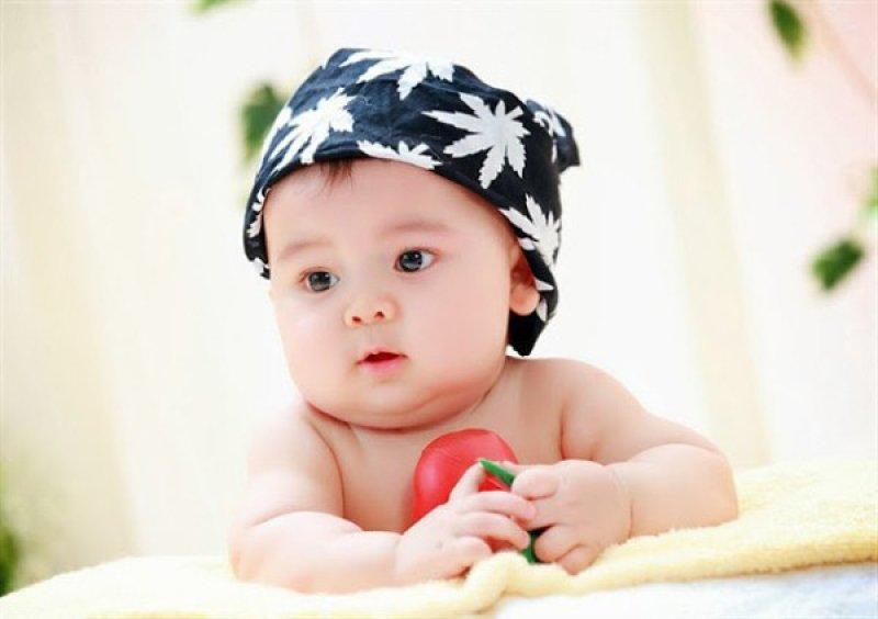 Sự phát triển thần kinh, vận động bình thường ở trẻ em 1-12 tháng tuổi