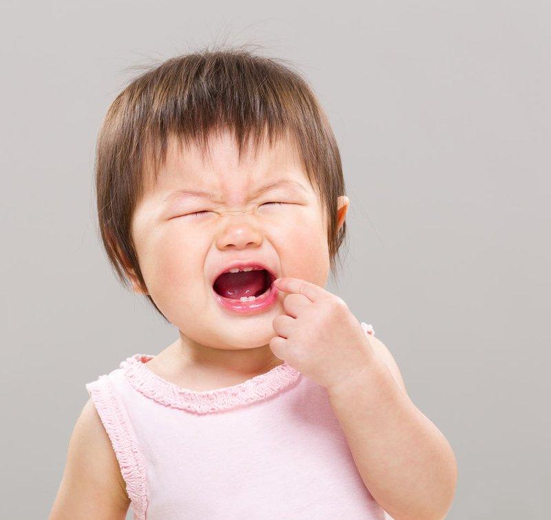 trẻ em đau răng