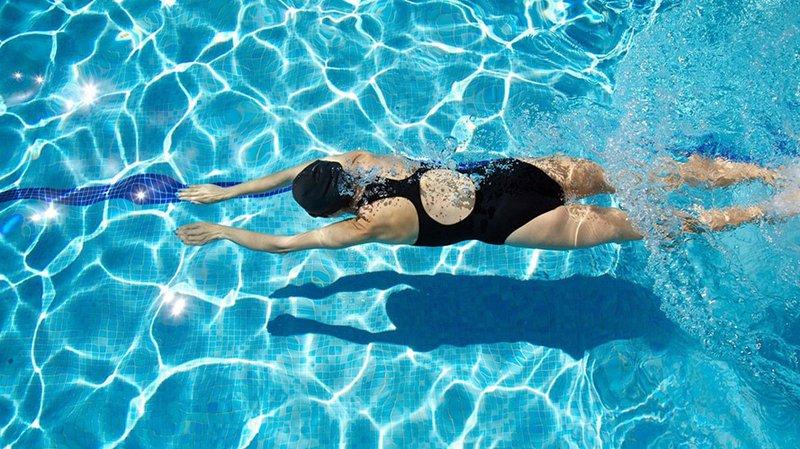 """Những """"bí quyết"""" giúp bạn an toàn khi đi bơi"""