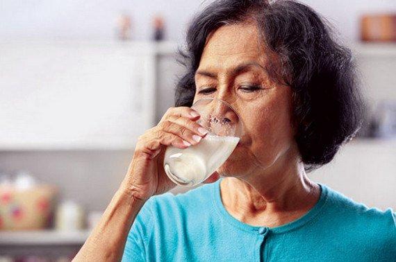 Ung thư có được uống sữa