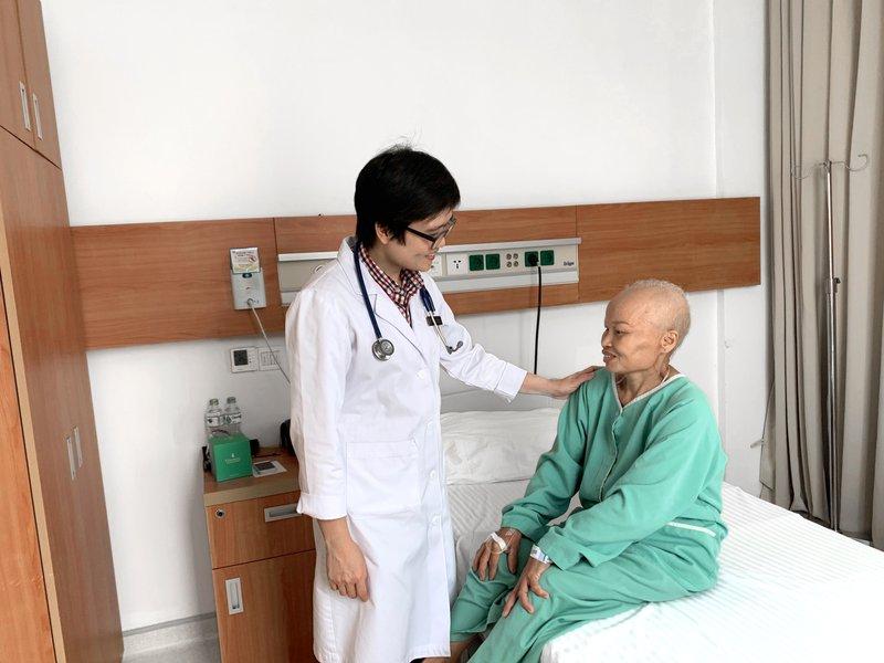 Điều trị ung thư buồng trứng giai đoạn muộn thành công tại Vinmec