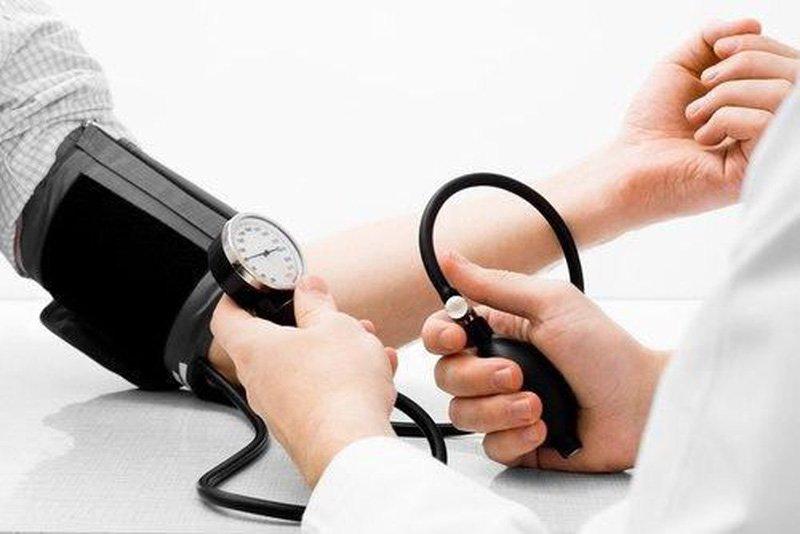 Huyết áp tăng đột ngột, xử trí thế nào?
