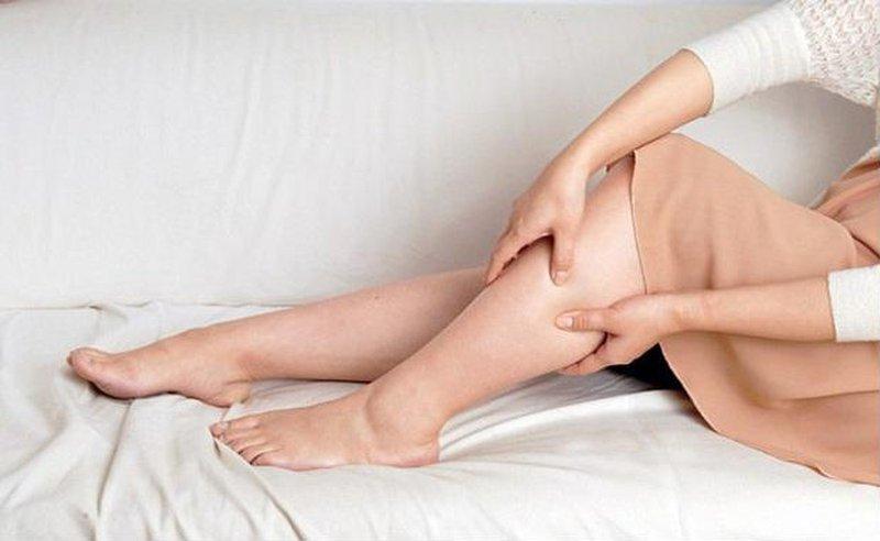 Cách giảm phù chân giúp bà bầu dễ chịu