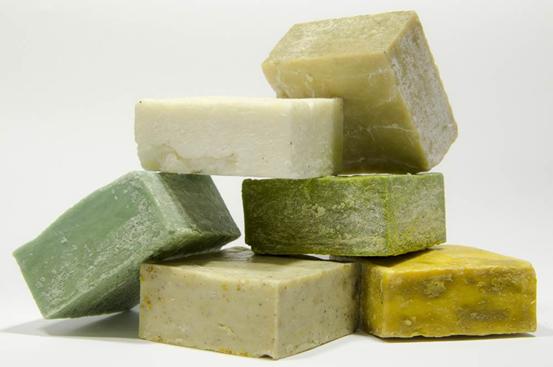 Triclosan trong xà phòng, dầu gội, kem đánh răng có thể gây ung thư và xơ  gan? | Vinmec