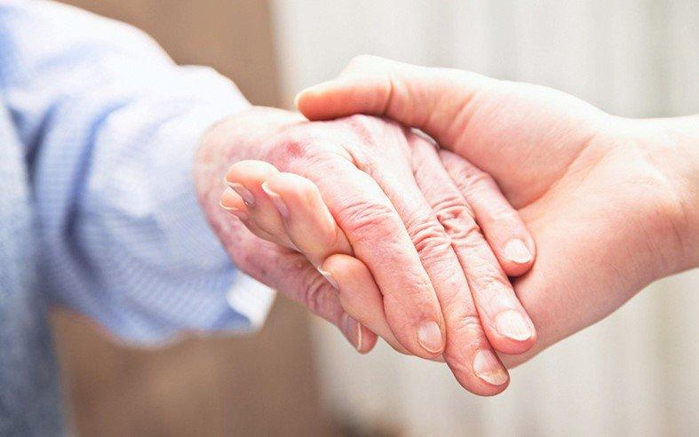 Thế nào là chăm sóc và điều trị giảm nhẹ? | Vinmec