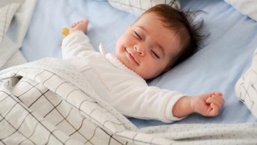 Cách dạy trẻ sơ sinh phân biệt ngày và đêm