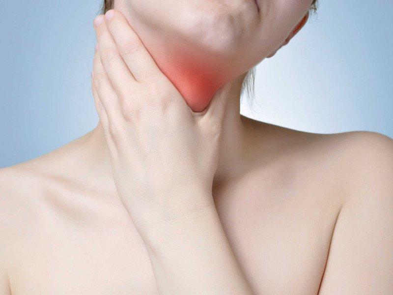 Triệu chứng cảnh báo có u ở tuyến giáp