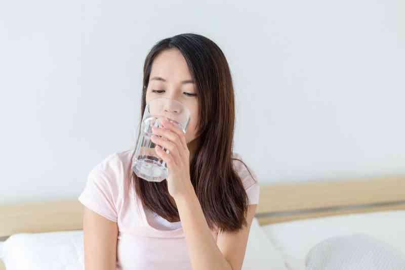 Cơ thể ra sao khi mất nước hoặc thừa nước?
