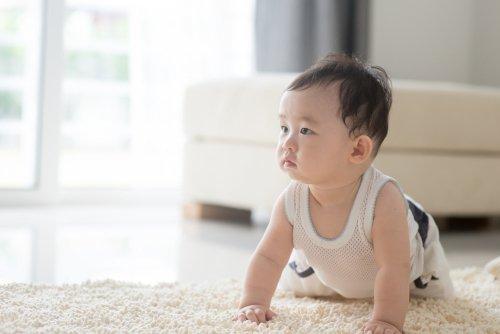 Trẻ 9 tháng tuổi