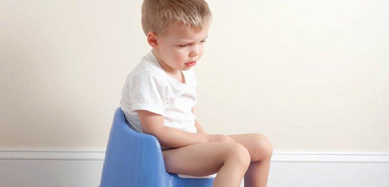 Đề phòng nguy cơ sốc mất nước ở trẻ bị tiêu chảy | Vinmec