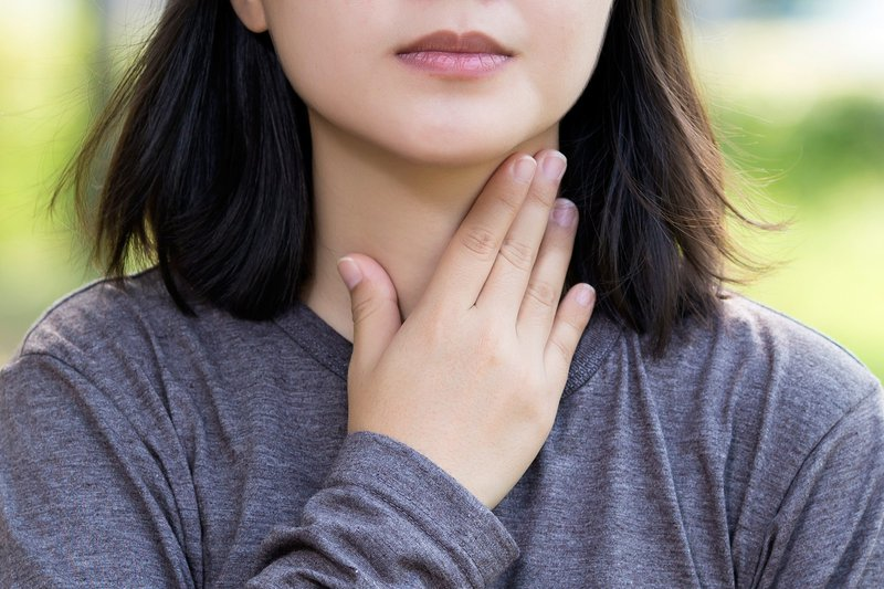Các triệu chứng thường gặp cảnh báo bệnh lý tuyến giáp