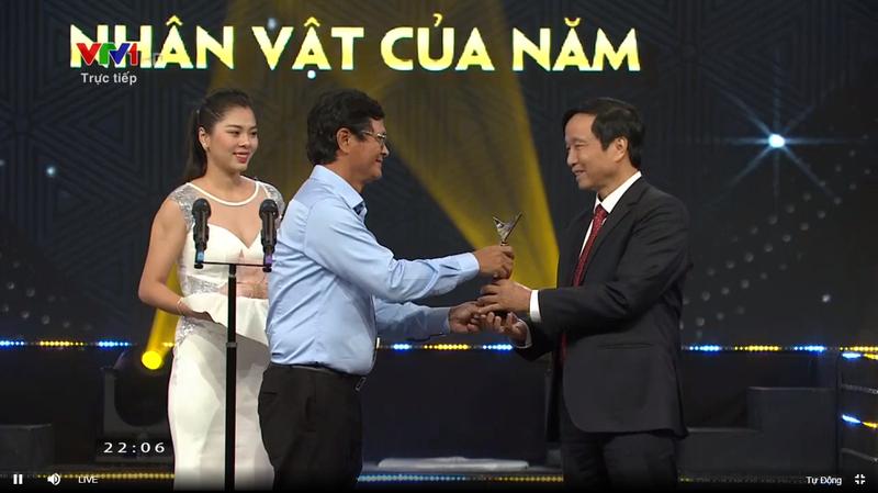 GS Nguyễn Thanh Liêm nhận giải VTV ấn tượng
