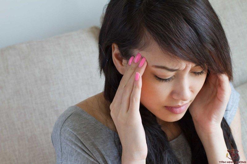 Khi bạn bị tấn công bởi cơn đau đầu chóng mặt gây mệt mỏi