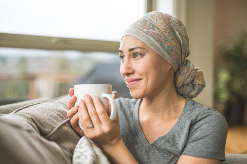 Tại sao hóa trị gây rụng tóc