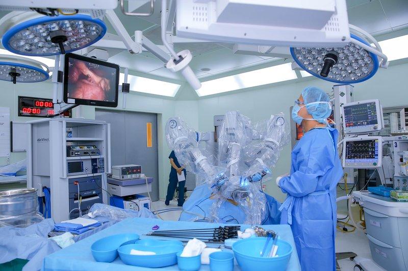 Robot phẫu thuật hiện đại có mặt tại Việt Nam