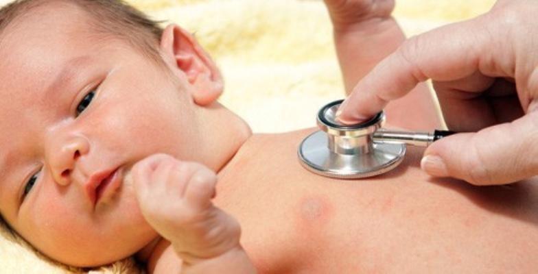 Nhận diện những bất thường trong nhịp thở của trẻ sơ sinh | Vinmec