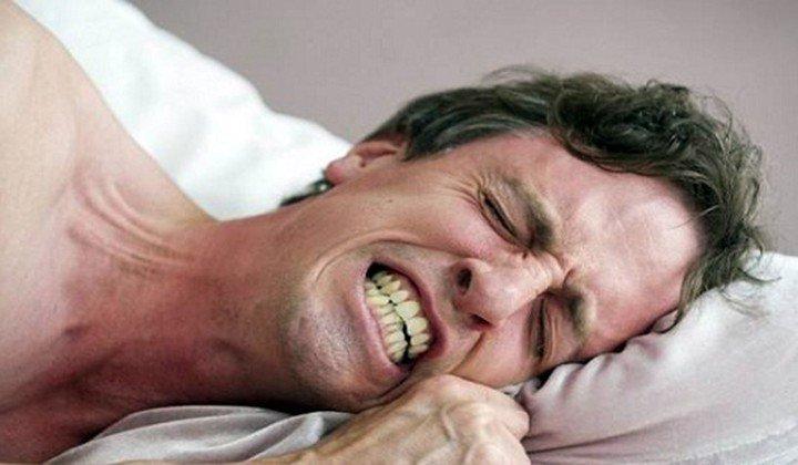 Nghiến răng khi ngủ ở người lớn