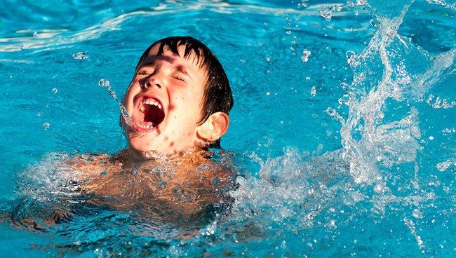 Sơ cứu đuối nước đúng cách ở trẻ em | Vinmec