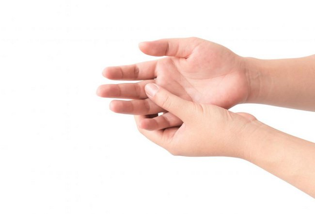 Đau tay