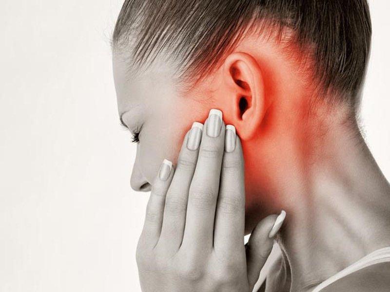 Viêm và sưng tai trong