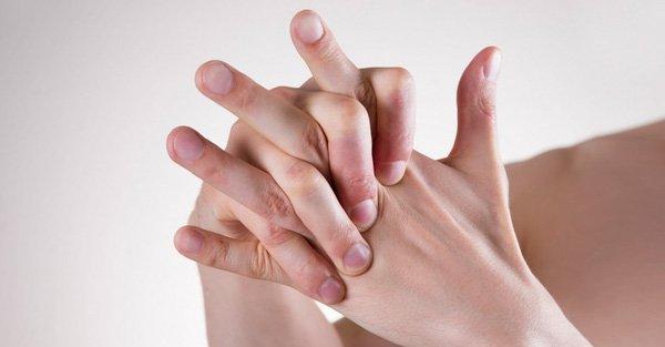 Tê ngón tay